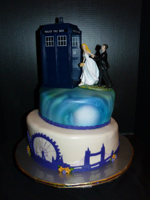 13 Of The Geekiest And Most Spectacular Wedding Cakes In