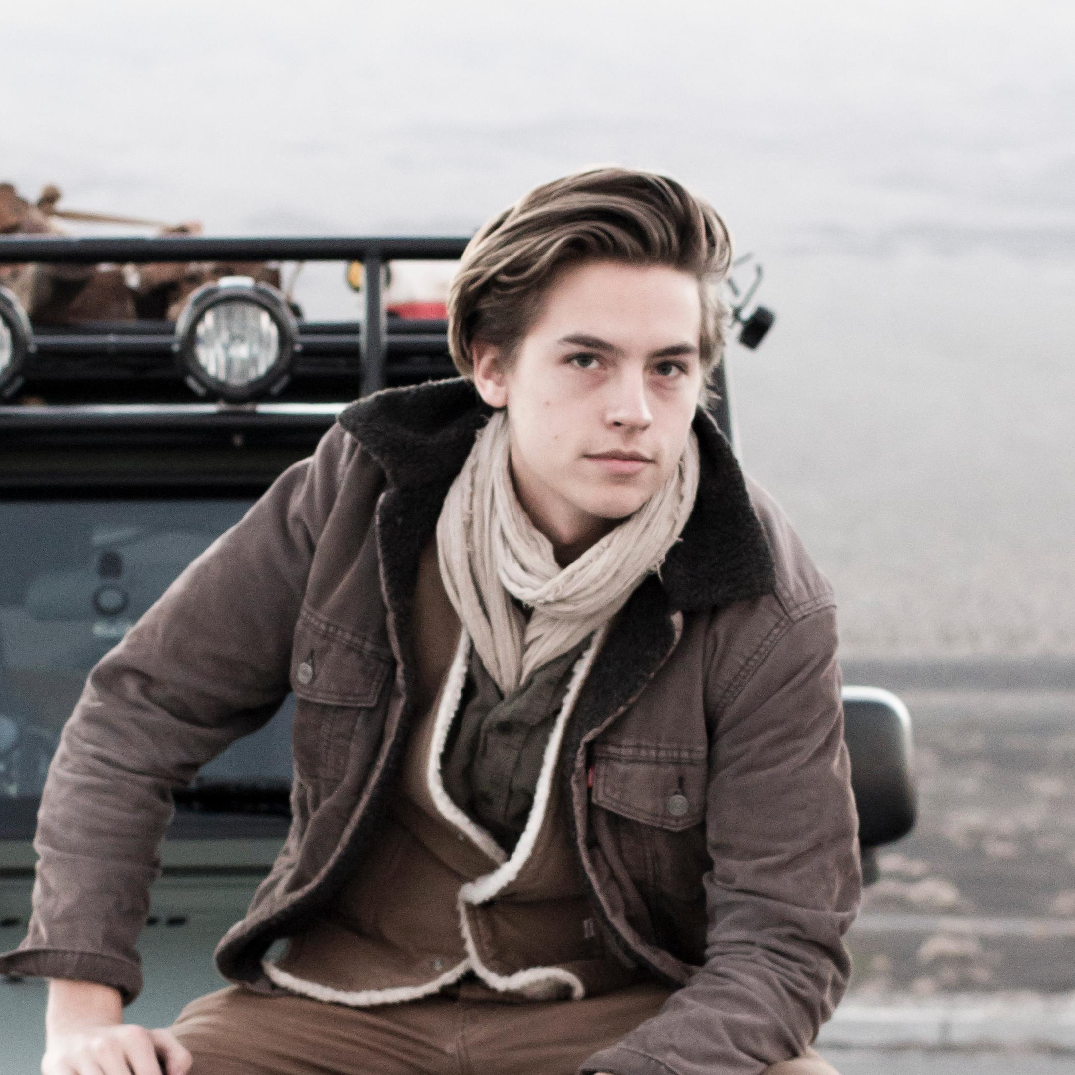 2015 Dylan And Cole Sprouse | newhairstylesformen2014.com