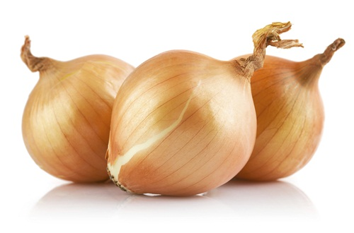 Onions Onions have always played it quiet… but it turns out they contain tons of phytochemicals that can reduce inflammation. They've also been shown to have some anti-cancer effects. And another plus? They have virtually no calories.