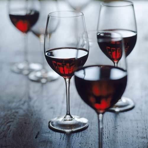 Do... Say Cheers With Red! Red wine is full of anti-oxidants. It also has a substance that can prevent small fat cells from maturing into full-grown ones. All in moderation of course…