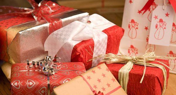 ChristmasPresentsWrapped_large
