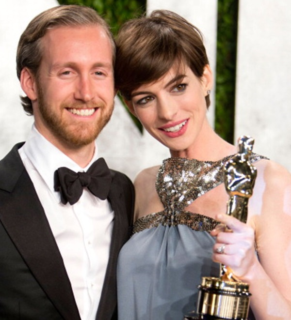 Anne Hathaway Spouse: Anne Hathaway And Husband Adam Shulman Reportedly