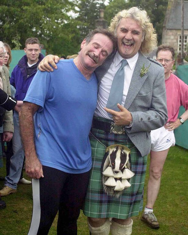 PAY-Billy-Connolly-and-Robin-Williams-at-the-Lonach-Gathering
