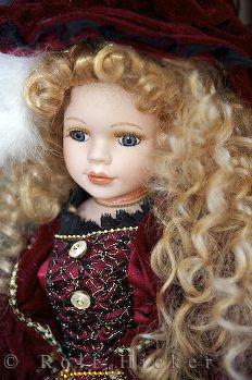 elegant-porcelain-doll_10617