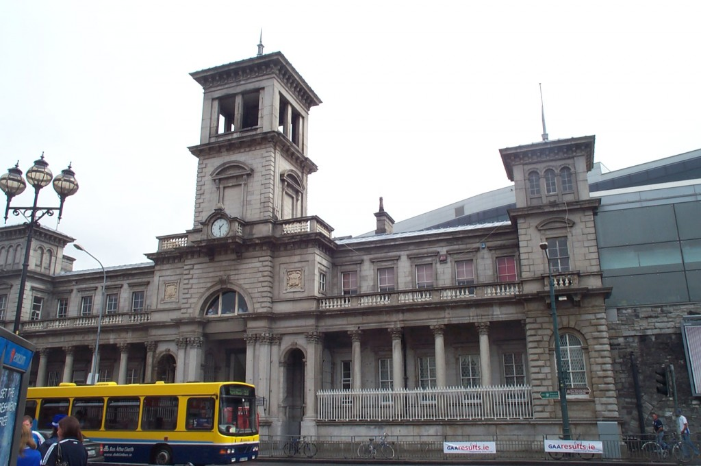 Dublin_Connolly_railway_station_2006