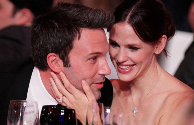 LOS ANGELES, CA - JANUARY 14:  Actor Ben Affleck and actress Jennifer Garner pose during the 16th annual Critics' Choice Movie Awards at the Hollywood Palladium on January 14, 2011 in Los Angeles, California.  (Photo by Christopher Polk/Getty Images for VH1)