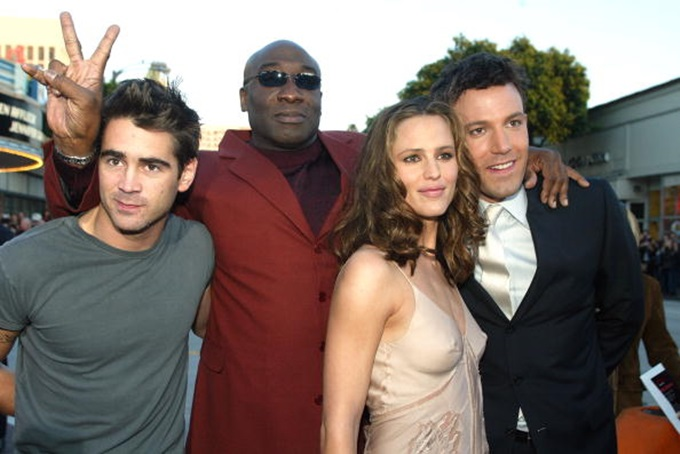"""LOS ANGELES - FEBRUARY 9:  Cast members (L to R) Colin Farrell, Michael Clarke Duncan, Jennifer Garner and Ben Affleck pose for photos at the premiere of """"Daredevil"""" at the Village Theatre on February 9, 2003 in Los Angeles, California. (Photo by Kevin Winter/Getty Images)"""
