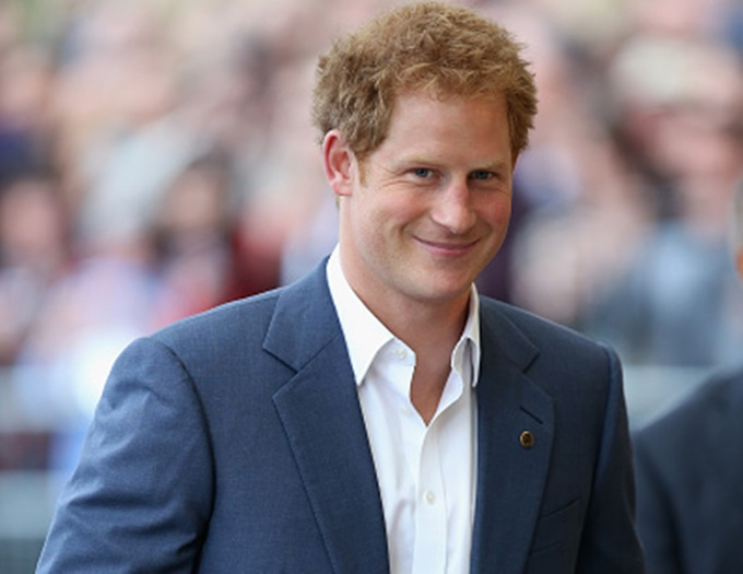 LONDON, ENGLAND - JUNE 08:  Prince Harry smiles as he arrives at a Gala Concert in Aid of WellChild at the Royal Albert Hall on June 8, 2015 in London, England.  (Photo by Chris Jackson/Getty Images)