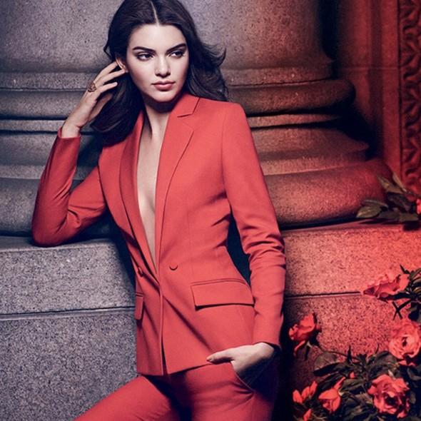 Kendall-Jenner-Square_1_590_590_90