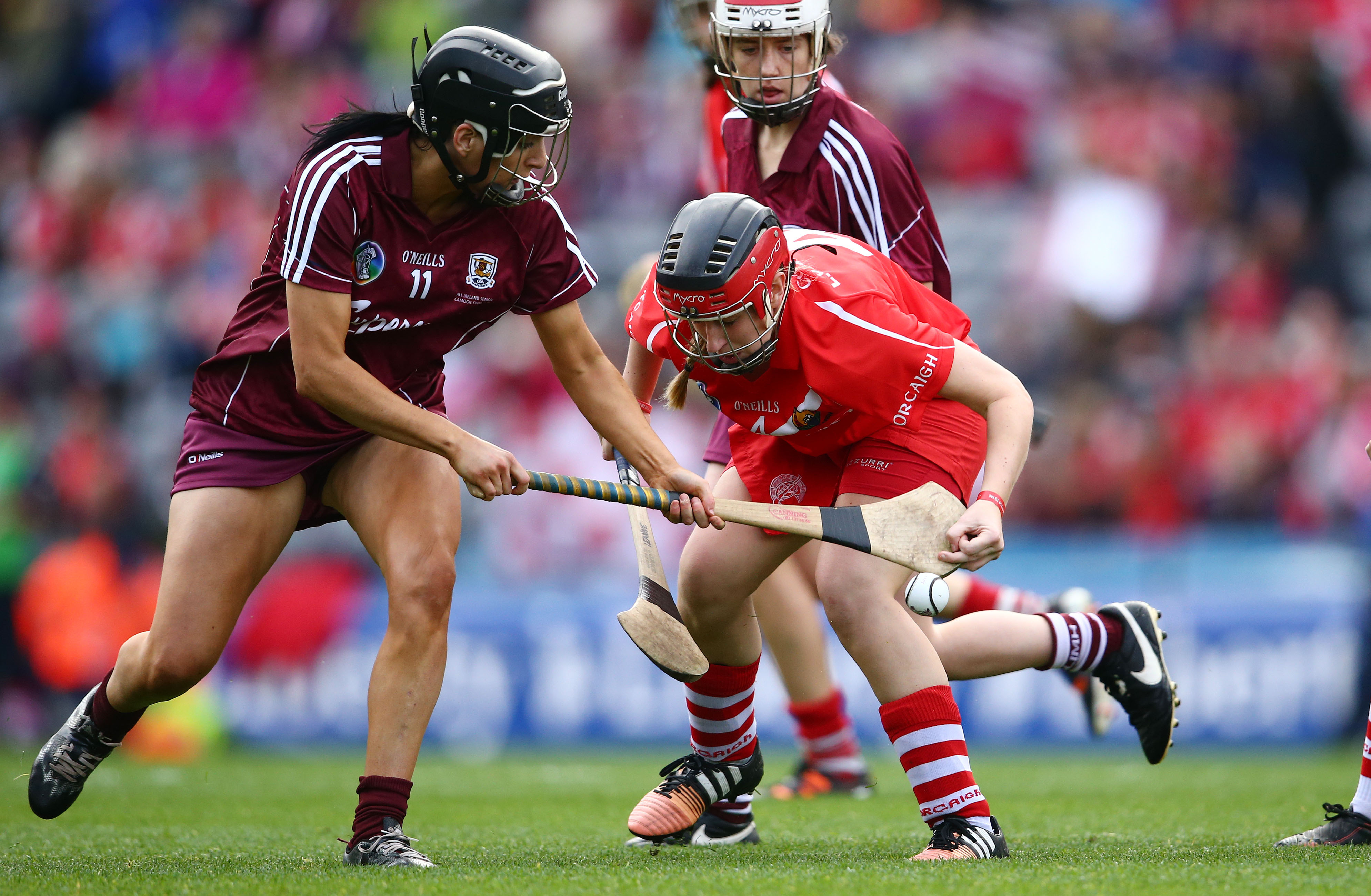 REPRO FREE***PRESS RELEASE NO REPRODUCTION FEE*** Liberty Insurance Senior Camogie Championship Final, Croke Park, Dublin 13/9/2015 Cork vs Galway Cork's Leanne O'Sullivan and Niamh McGrath of Galway Mandatory Credit ©INPHO/Cathal Noonan