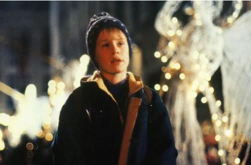 Rockefeller Christmas Tree Arrives In Dublin And We Feel ...
