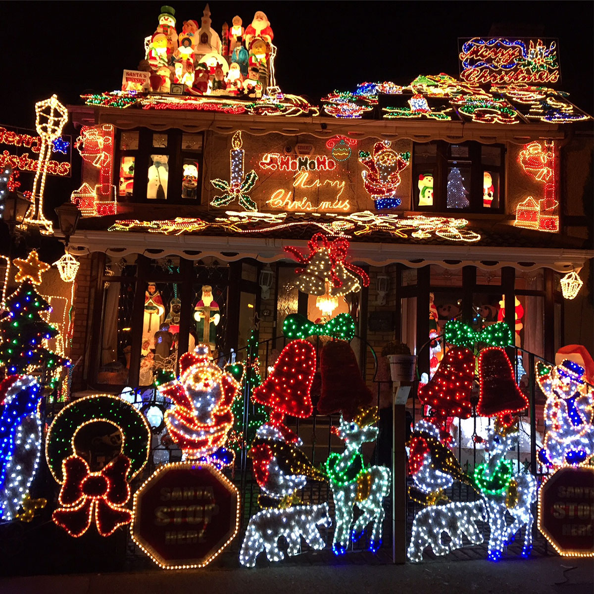 #ChristmasGoals: The Most Extensively Decorated Houses In