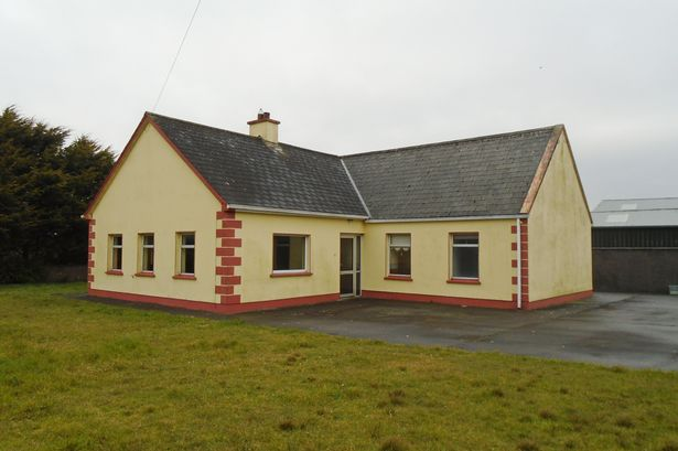 Pic this co clare bungalow is believed to be the for Bungalow plans ireland