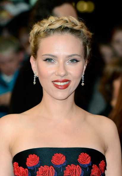 LONDON, ENGLAND - APRIL 19: Scarlett Johansson attends Marvel Avengers Assemble European Premiere at Vue Westfield on April 19, 2012 in London, England. (Photo by Gareth Cattermole/Getty Images)