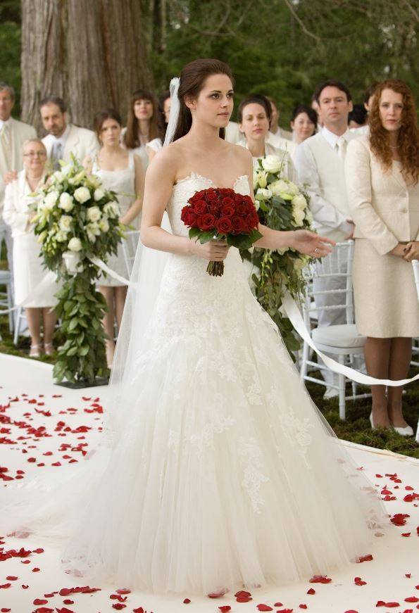 e63a1b0251b You can also buy Bella s wedding dress and veil from the dream sequence in Breaking  Dawn Part 1. In the film Bella has a dream that quickly turns into a ...