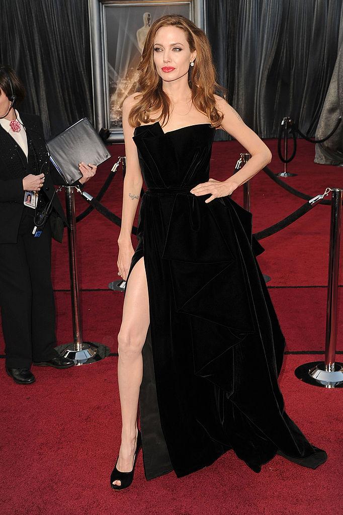 Jennifer Aniston's Oscars dress was very familiar   Her.ie