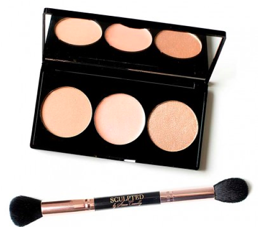 Sculpted by Aimee Connolly Highlighter Palette & Brush Duo, €24.95