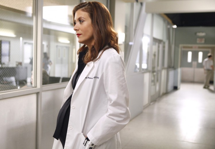 Grey's Anatomy star reveals she was diagnosed with a brain ...