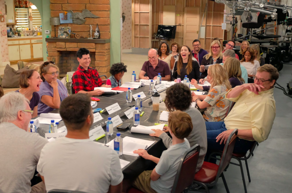 'Roseanne' Revival Cast Gets Together For First Table Read -- See the Pic!