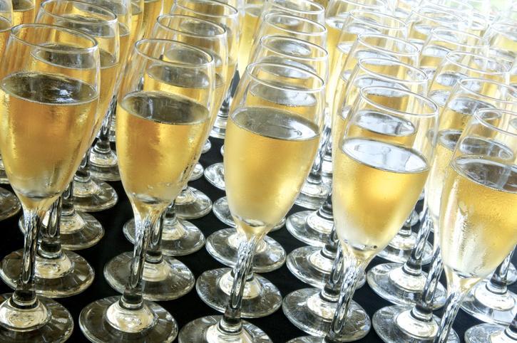 Cuba gives champagne a pounding - 2 part 10