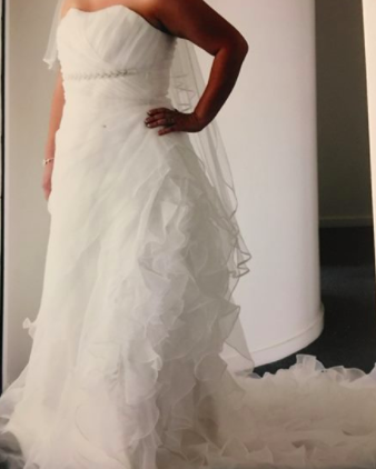 Woman Posts Gas Ad For Wedding Dress After Miserable Marriage