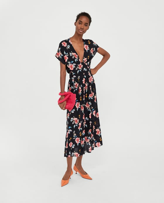 4c8d3c26799c We re dreaming of summer thanks to this €40 Zara dress