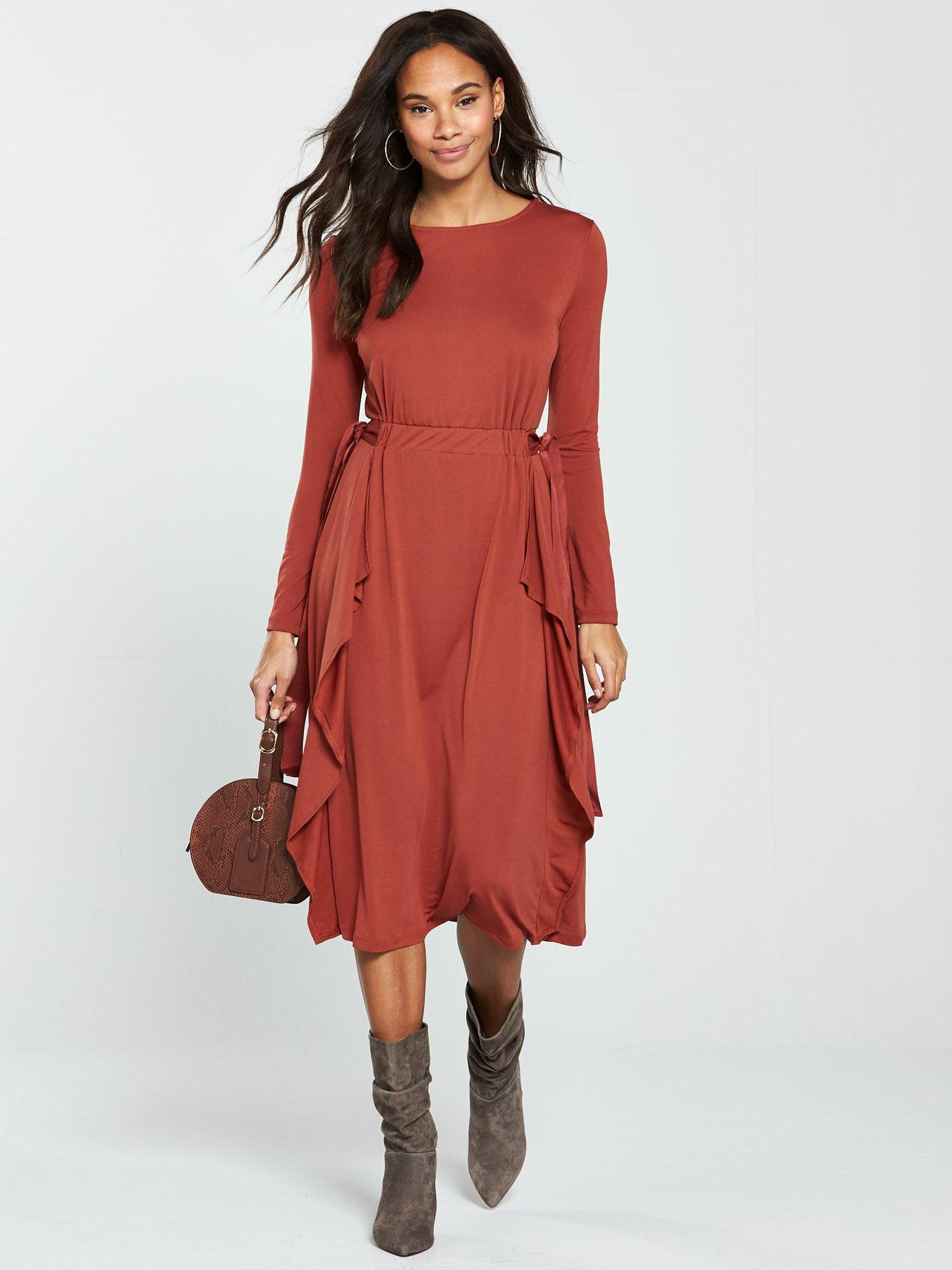 We\'re swooning over Just Jordan\'s Littlewoods dress and it\'s €38 ...