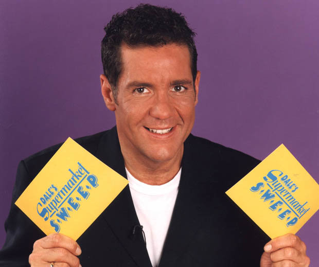 Stars pay tribute to Dale Winton