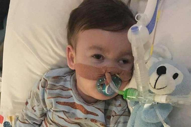Father of gravely ill child Alfie Evans seeks hospital truce