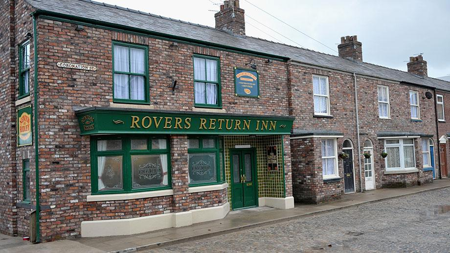 After a heavy year, one of Corrie's longest-standing actors has hinted at leaving