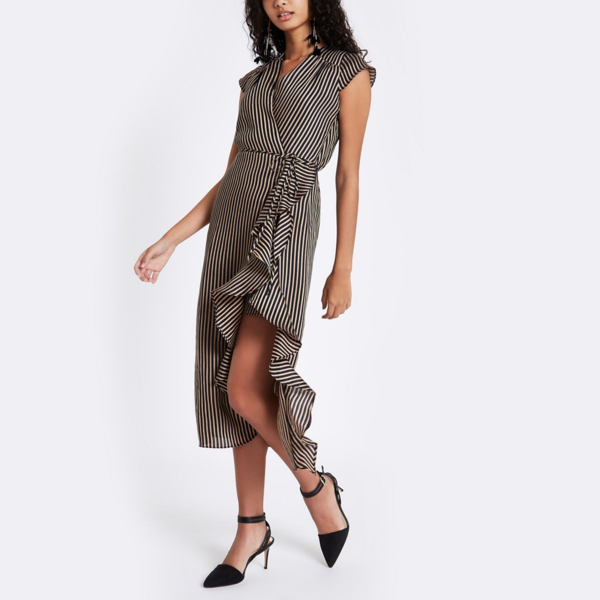 Bloggers Can T Get Enough Of This River Island Dress That Comes In