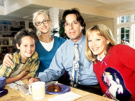 There was a Lizzie McGuire family reunion and everyone looks oddly the same