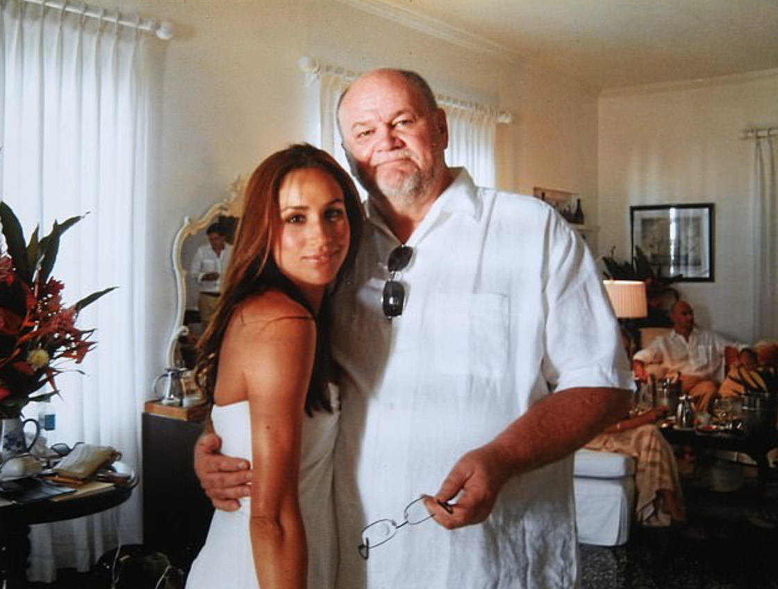 Thomas Markle releases the notes Meghan sent him after her wedding and they're hard to read