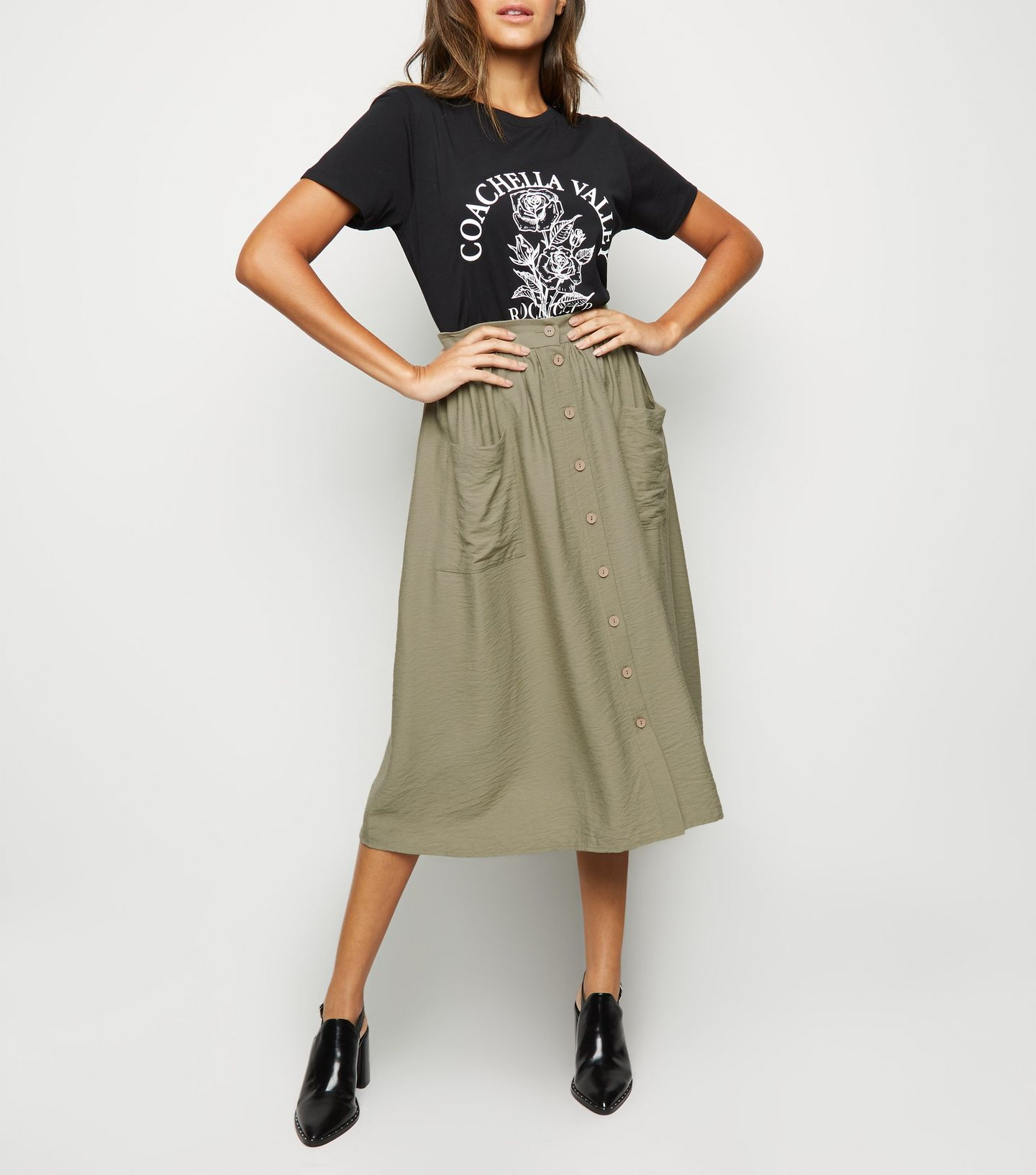 5c55634a9f This €23 New Look midi skirt is the weekend bargain you deserve | Her.ie