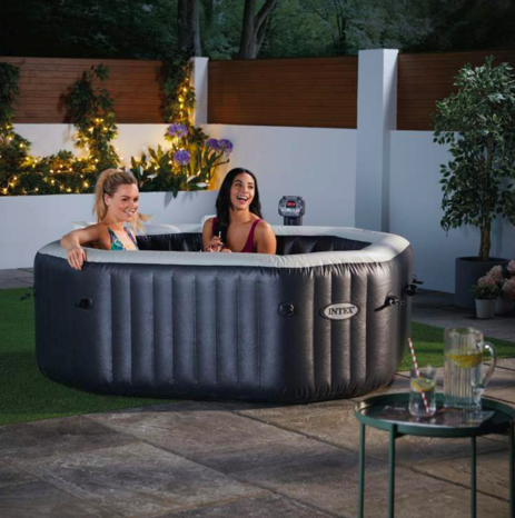 attention aldi 39 s luxury swimming pool is coming back to. Black Bedroom Furniture Sets. Home Design Ideas