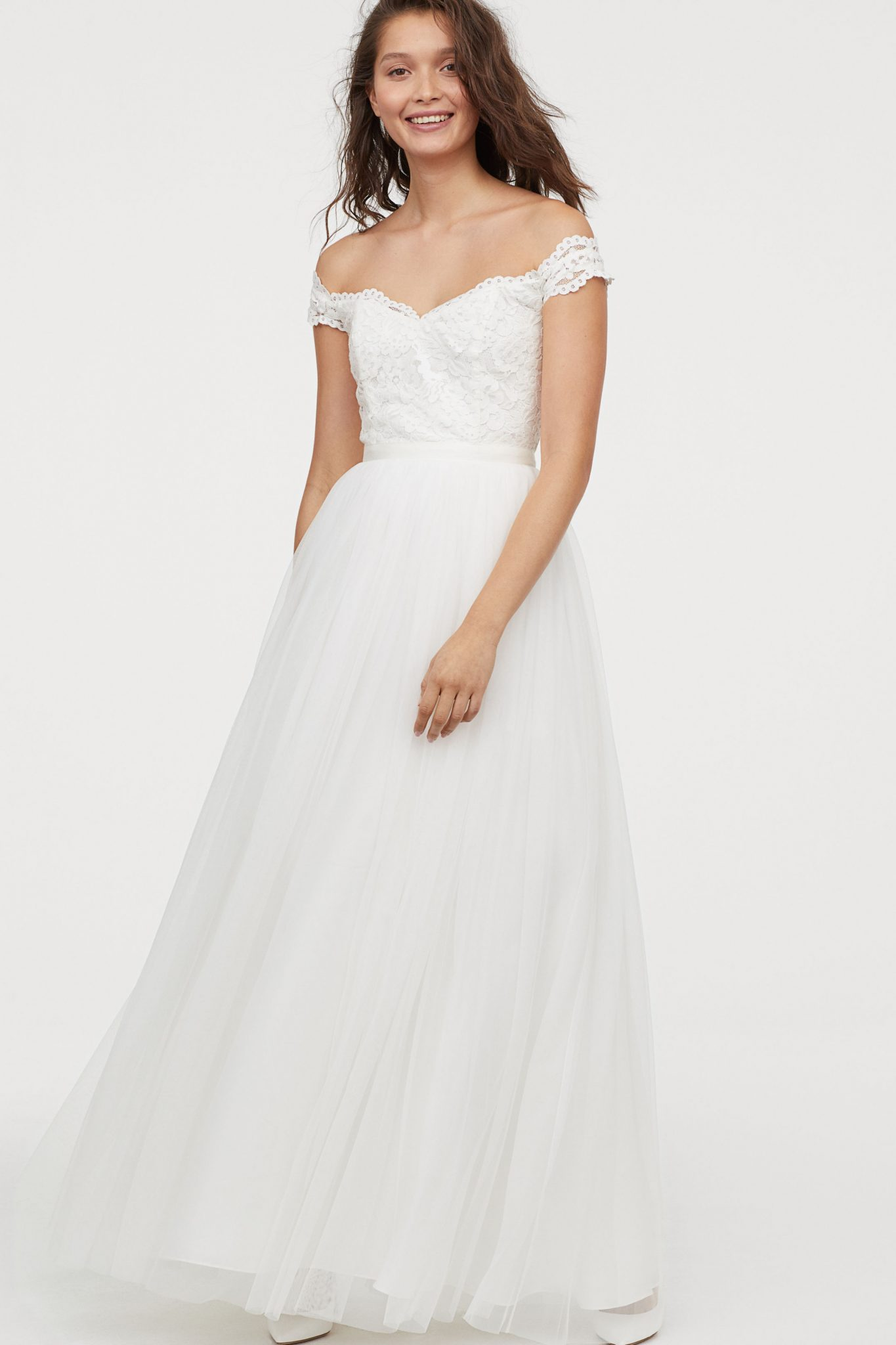 b6b8ce36f1c9 Swoon! We're in love with this €220 wedding dress from H&M's new ...