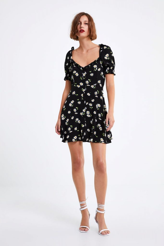 9857b198053 This pretty €20 Zara dress is all you need to transform your summer ...