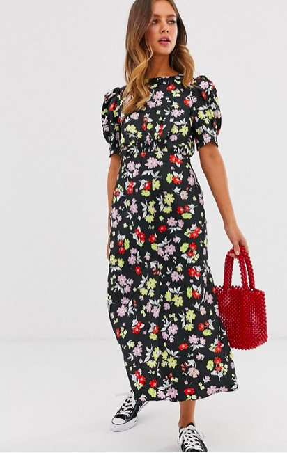9b5c29cd50 This flattering €50 ASOS dress is the perfect wedding guest look ...