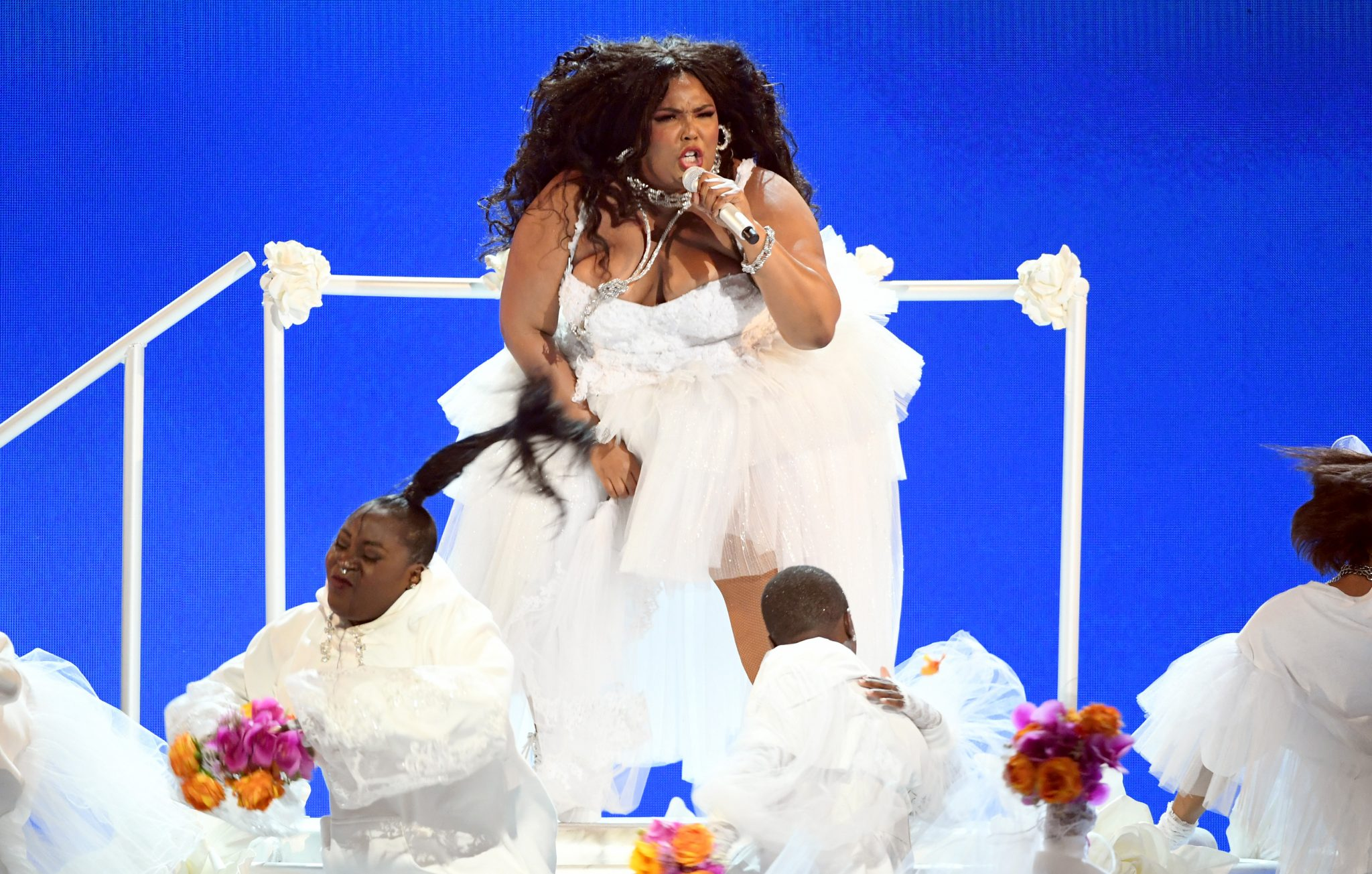 Lizzo got a standing ovation from Rihanna after her 'Truth Hurts