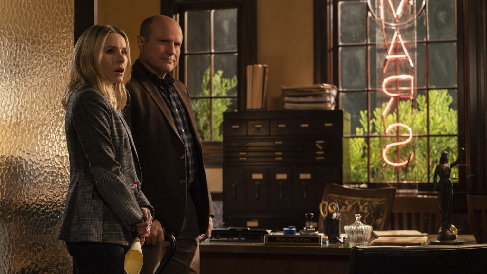 "Veronica Mars -- ""Heads You Lose"" - Episode 404 -- Convinced the bomber is still at large, Veronica visits Chino to learn more about Clyde and Big Dick. Mayor Dobbins' request for help from the FBI brings an old flame to Neptune. Veronica confronts her mugger. Veronica Mars (Kristen Bell) and Keith Mars (Enrico Colantoni), shown. (Photo by: Richard Foreman,  Jr. SMPSP/Hulu)"