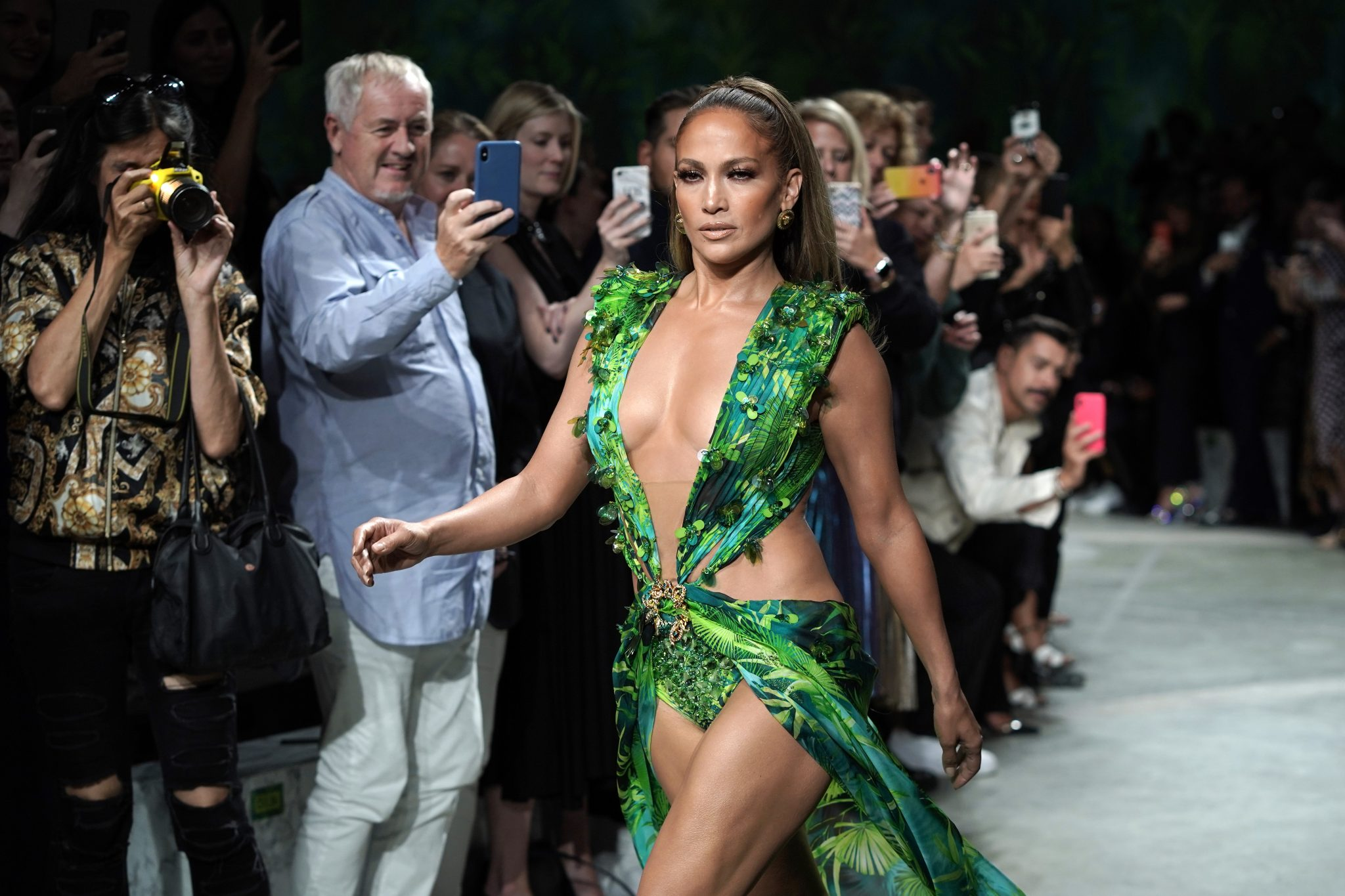 Jennifer Lopez Recreated Her Iconic Green Versace Dress For Milan Fashion Week