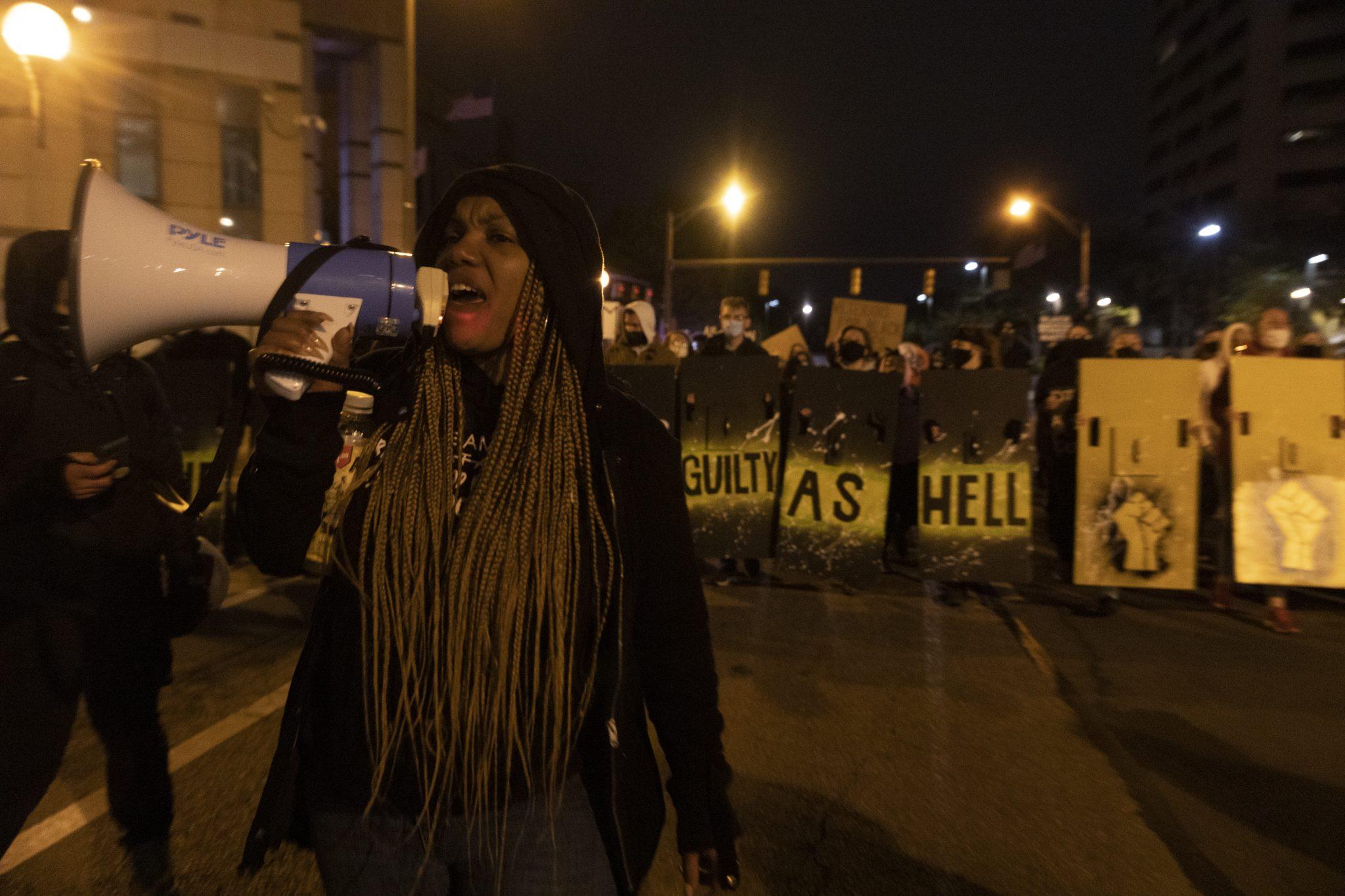 Columbus police shoot, kill teen girl, reports say